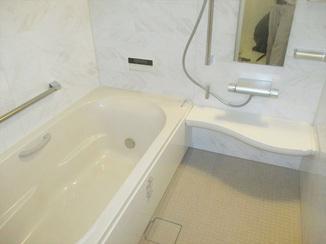 バスルームリフォーム 足が伸ばせて快適に!在来工法の浴室から広々ユニットバスへ