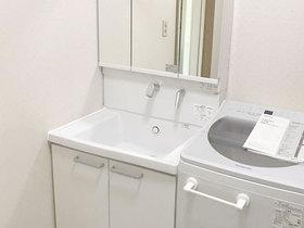 洗面リフォーム深くて広いボウルが使いやすい洗面化粧台