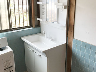 洗面リフォーム コンパクトでスッキリした洗面台